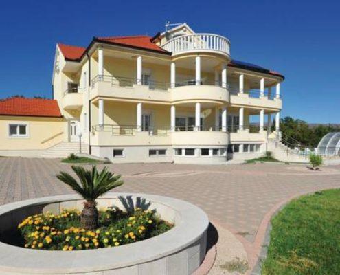 croatia-dalmatia-villa-front-exterior
