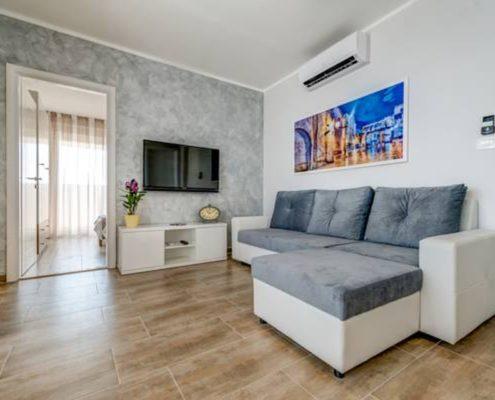 croatia-split-seaview-apartment-living-room