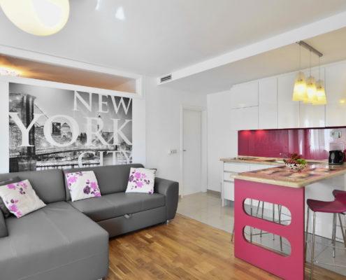 Split-Apartment-Living room